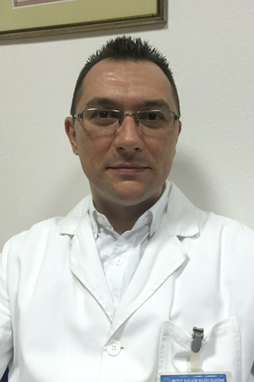 Dr. Bojan Zarić